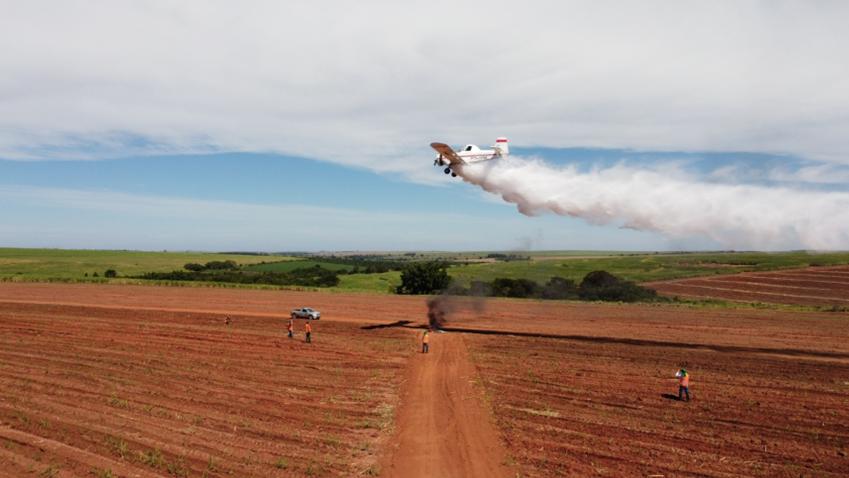 Zilor promove treinamento aéreo para combater fogo criminoso no canavial